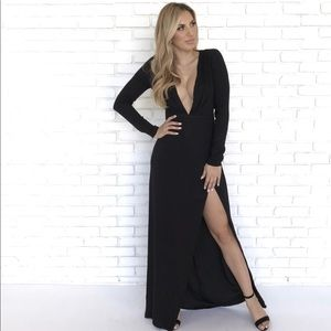 NWT Honey Punch Black Deep V Maxi-Size Small